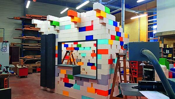 Cabane en Lego géant