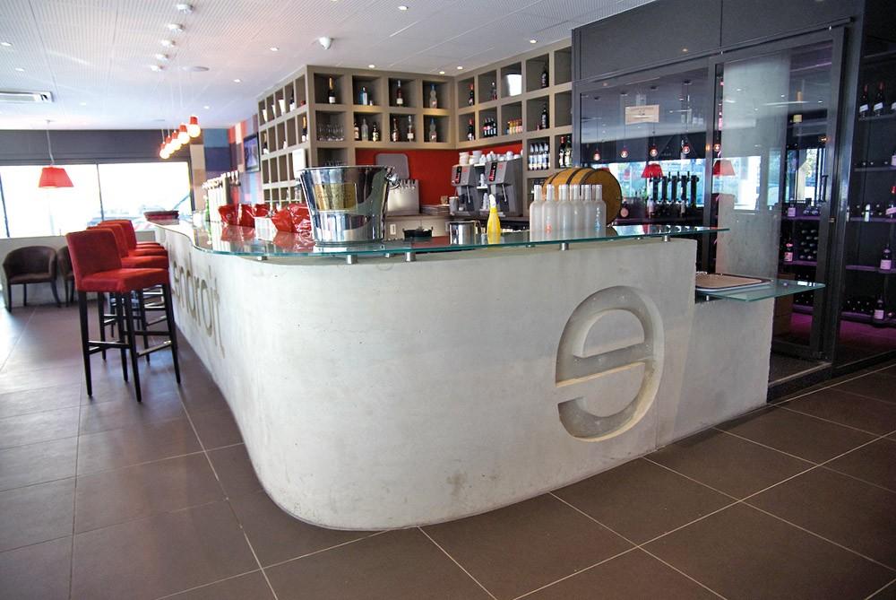 Structure en béton pour bar